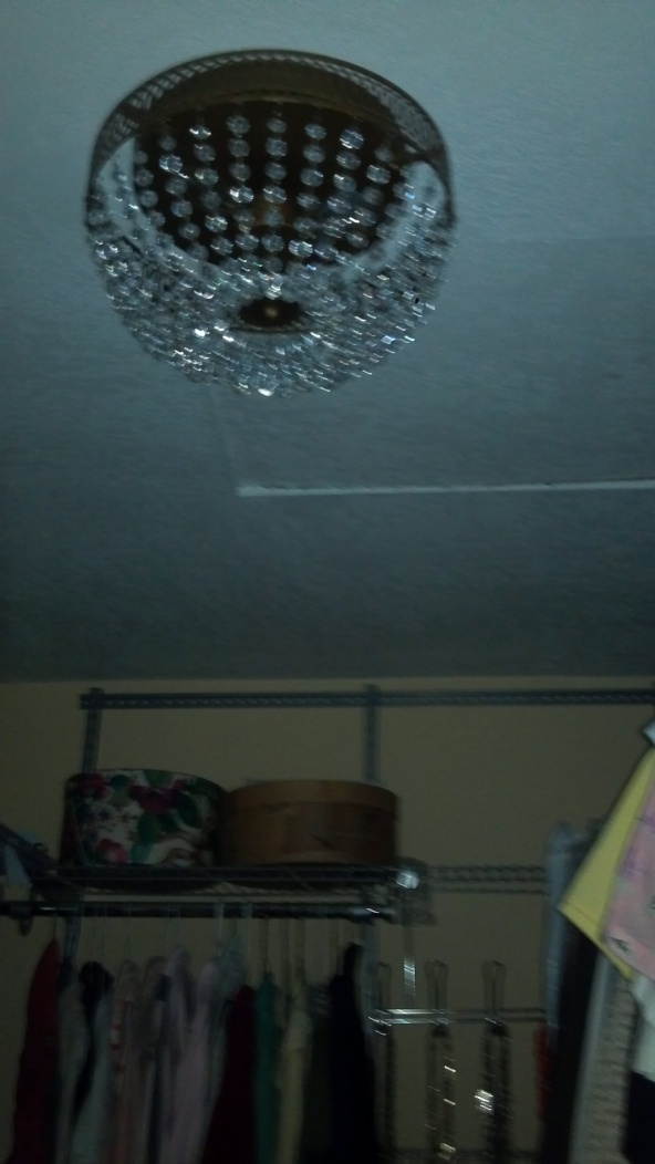 closet light fixture
