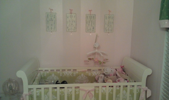 ellas room and crib