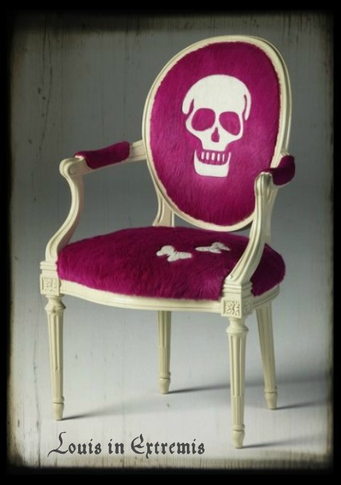 skull-chair-by-geoffrey-bradfield-for-kyle-bunting