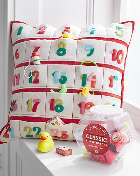 christmas-pillow-advent-from-garnet-hill