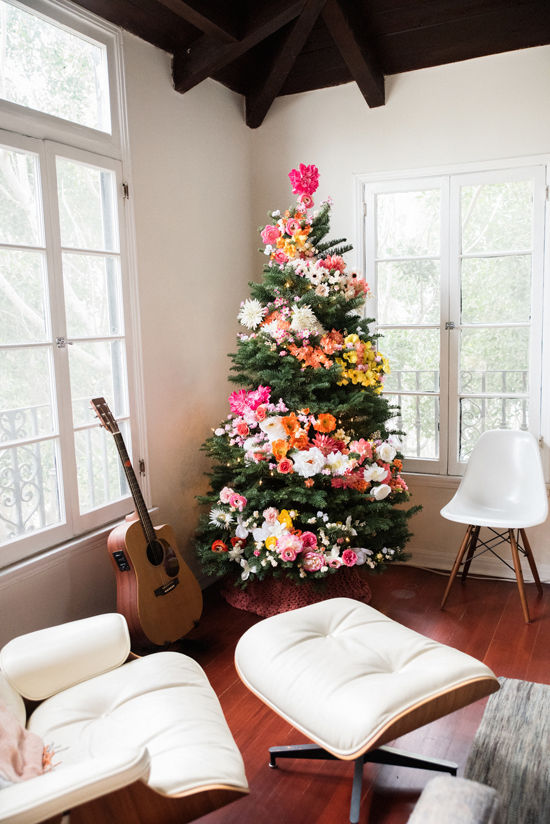 christmas-tree-floral-from-design-love-fest-dot-com