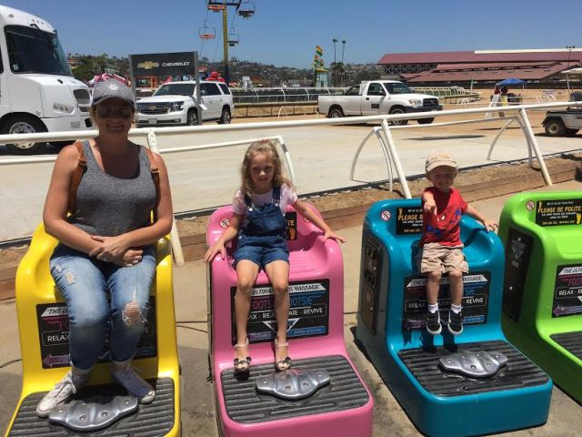 ella laura and bren at the fair 2017